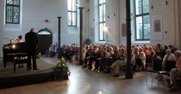 <h2>Das Kloster Bredelar</h2><br>Das Kloster Bredelar bietet einen optimalen Rahmen für intensive Arbeit und künstlerische Weiterentwicklung. Ein meisterlicher Ort für meisterliche Musik.